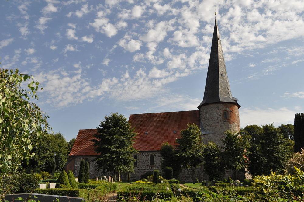 Ansicht der Vicelin-Kirche in pronstorf
