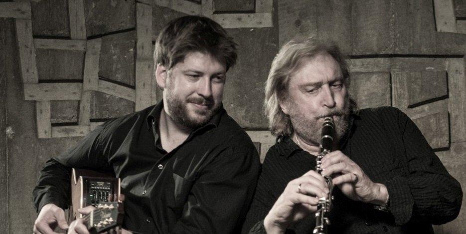 Sacre Fleur, Jan Keßler mit Gitarre und Reiner Regel mit Klarinette