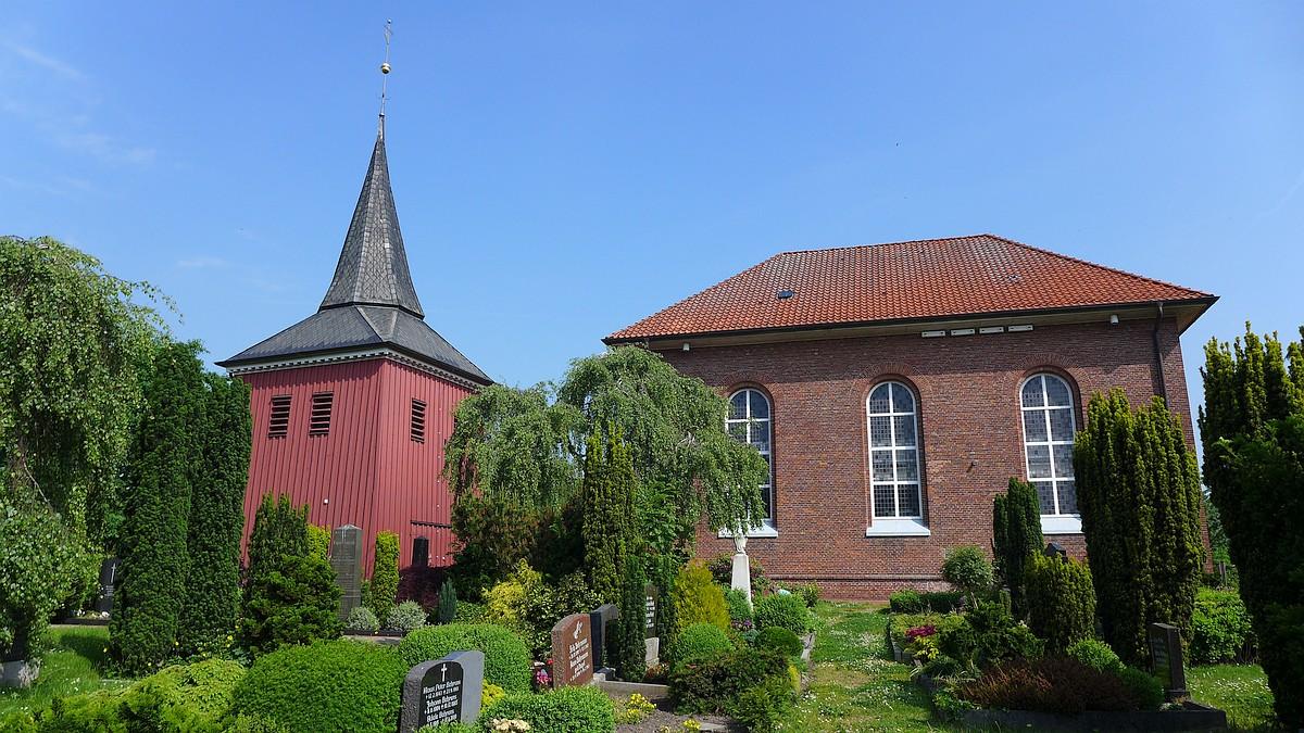 """Kirche """"Zum guten Hirten"""" auf der Insel Krautsand."""