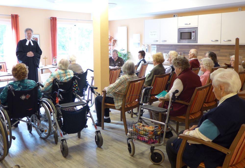 Andacht in der Seniorenresidenz